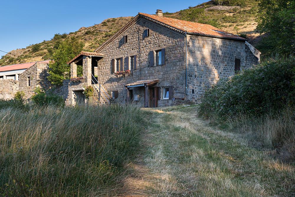 Stone house in Ardèche -Real estate photographer Belgium - Photographe maison Belgique