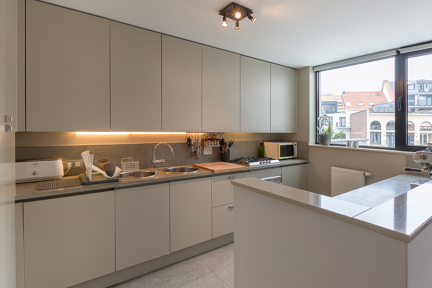 Kitchen - Real estate pro photographer Brussels